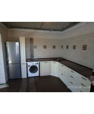 Кухня с матироваными фасадами