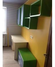 полки и стол