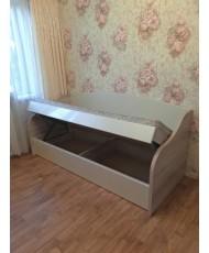 Кровать а поднятом виде