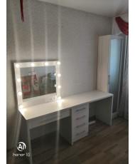 Туалетный столик с подсветкой